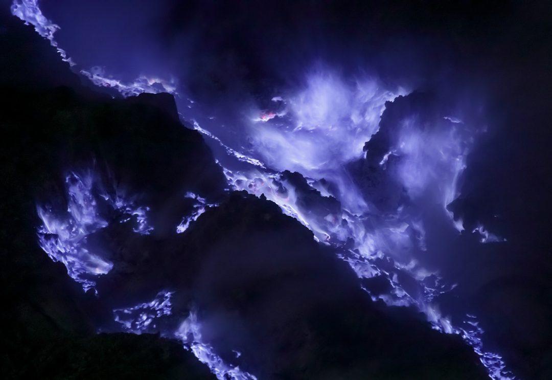 eruzione blu kawah ijen